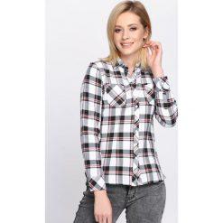 Biała Koszula The Skies. Zielone koszule damskie w kratkę marki Mohito, l, z wykładanym kołnierzem. Za 59,99 zł.