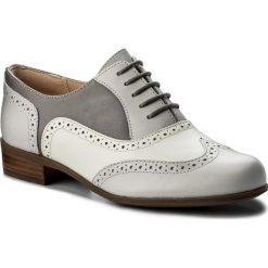 Oxfordy CLARKS - Hamble Oak 261324644 Grey Combi Leather. Szare jazzówki damskie Clarks, ze skóry, na obcasie. W wyprzedaży za 269,00 zł.