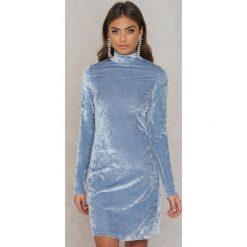 Sukienki: NA-KD Party Aksamitna sukienka ze stójką - Blue