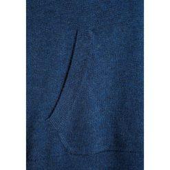 Polo Ralph Lauren HOODED Bluza z kapturem blue jeans heather. Niebieskie bluzy dziewczęce Polo Ralph Lauren, z jeansu, z kapturem. W wyprzedaży za 335,20 zł.