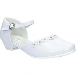 Białe buty komunijne z kwiatkami Casu 7KM-223. Białe buciki niemowlęce Casu. Za 59,99 zł.