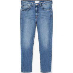 Mango - Jeansy Girlfr. Niebieskie jeansy damskie marki Mango. W wyprzedaży za 69,90 zł.