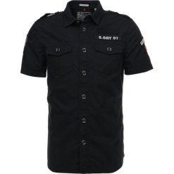 Superdry ARMY CORPS LITE  Koszula black. Niebieskie koszule męskie marki Polo Ralph Lauren, m, z bawełny, polo. Za 389,00 zł.