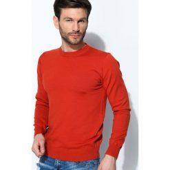 Pomarańczowy Sweter Whom. Brązowe swetry klasyczne męskie Born2be, l, z okrągłym kołnierzem. Za 39,99 zł.
