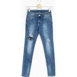 Niebieskie Jeansy Eye Contact. Niebieskie jeansy damskie Born2be. Za 109,99 zł.