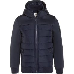Kaporal NAGA Kurtka zimowa navy. Niebieskie kurtki chłopięce zimowe Kaporal, z materiału. W wyprzedaży za 263,20 zł.