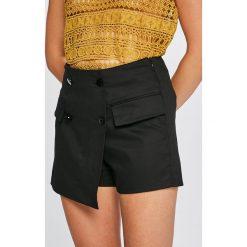 Answear - Szorty Stripes Vibes. Brązowe szorty damskie ANSWEAR, z bawełny, casualowe. W wyprzedaży za 49,90 zł.