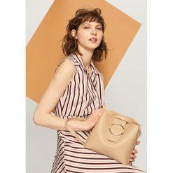 Torba z okrągłą klamrą - Beżowy. Brązowe torby plażowe marki Reserved. W wyprzedaży za 59,99 zł.