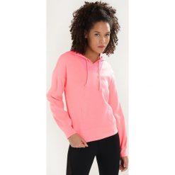 Bluzy rozpinane damskie: Only Play ONPHEAVENN HOOD  Bluza z kapturem lipstick pink