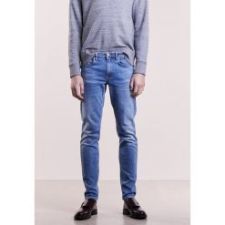Won Hundred SHADY A FAVOURITE Jeansy Slim Fit blue. Niebieskie jeansy męskie relaxed fit Won Hundred, z bawełny. W wyprzedaży za 401,40 zł.