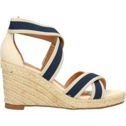 Sandały ZAINA. Brązowe sandały trekkingowe damskie marki Gino Rossi, z tkaniny, na wysokim obcasie, na koturnie. Za 249,90 zł.