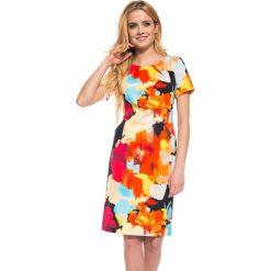 Piankowa sukienka w kwiaty QUIOSQUE. Czerwone sukienki mini marki QUIOSQUE, w kwiaty, z tkaniny, z krótkim rękawem, dopasowane. W wyprzedaży za 59,99 zł.