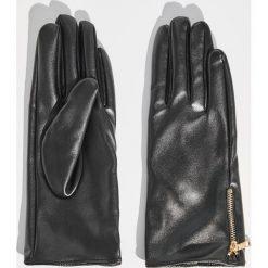 Rękawiczki z ozdobnym zamkiem - Czarny. Czarne rękawiczki damskie Sinsay. Za 19,99 zł.