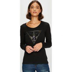 Guess Jeans - Bluzka. Szare bluzki z odkrytymi ramionami marki Guess Jeans, na co dzień, l, z aplikacjami, z bawełny, casualowe, z okrągłym kołnierzem, mini, dopasowane. Za 229,90 zł.