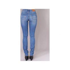 Jeansy slim fit Emporio Armani  NARRA. Szare jeansy damskie relaxed fit marki Emporio Armani, l, z nadrukiem, z bawełny, z okrągłym kołnierzem. Za 631,20 zł.