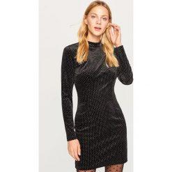 Aksamitna sukienka mini - Czarny. Sukienki małe czarne marki Reserved. Za 99,99 zł.