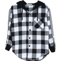 Czarno-Biała Koszula Notice Me. Białe koszule chłopięce marki Born2be. Za 59,99 zł.