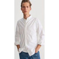 Bawełniana koszula z drobnym wzorem - Kremowy. Białe koszule męskie marki Reserved, l. Za 99,99 zł.