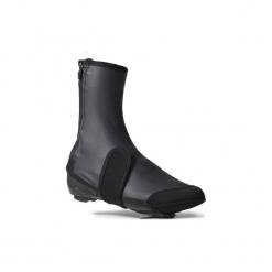 Ochraniacze na buty na rower ROADRACING 500 męskie. Czarne buty skate męskie marki Asics, do piłki nożnej. Za 99,99 zł.