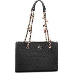 Torebka GUESS - HWVG69 88090 BLA. Czarne torebki klasyczne damskie Guess, ze skóry ekologicznej, duże. Za 629,00 zł.