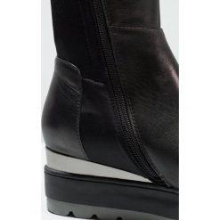 Buty zimowe damskie: CAFèNOIR Kozaki na koturnie nero