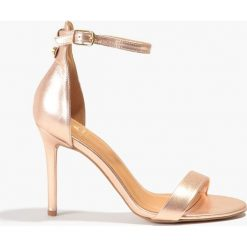 Sandały złote. Czerwone rzymianki damskie Badura. Za 219,99 zł.