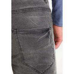 Redefined Rebel STOCKHOLM WORKER Jeans Skinny Fit black/grey. Szare jeansy męskie marki Redefined Rebel. Za 209,00 zł.
