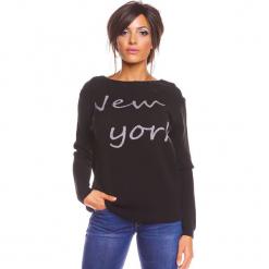 """Sweter """"New York"""" w kolorze czarnym. Czarne swetry klasyczne damskie marki So Cachemire, s, z kaszmiru, z dekoltem w łódkę. W wyprzedaży za 173,95 zł."""