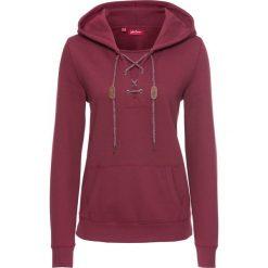 Bluza ze sznurowaniem i kapturem, długi rękaw bonprix purpurowy. Fioletowe bluzy rozpinane damskie bonprix, z długim rękawem, długie. Za 89,99 zł.