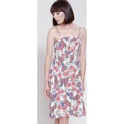 Sukienki: Biało-Pomarańczowa Sukienka Blue Moment