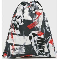 Nike Sportswear - Plecak. Różowe plecaki męskie marki Nike Sportswear, l, z nylonu, z okrągłym kołnierzem. W wyprzedaży za 69,90 zł.