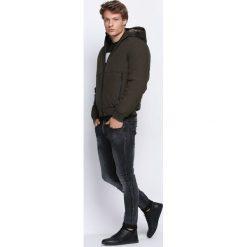 Ciemnozielona Kurtka Under Water. Czarne kurtki męskie pikowane marki Born2be, l, z aplikacjami, z dresówki. Za 159,99 zł.