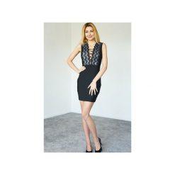 Sukienka czarna Marietta. Czarne sukienki koronkowe marki Kelly couronne, l, z aplikacjami, wyszczuplające. Za 269,10 zł.
