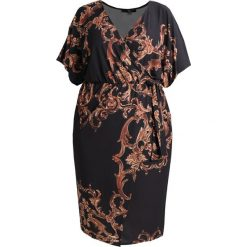 Sukienki hiszpanki: Missguided Plus PLUS SLINKY WRAP OVER MIDI DRESS BLACK BAROQUE PRINT Sukienka letnia multi coloured