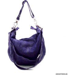 TORBA Hobo CHRB 20034. Niebieskie torebki klasyczne damskie Pakamera, w paski, ze skóry. Za 320,00 zł.