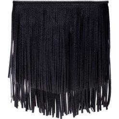 Czarna torebka z frędzlami QUIOSQUE. Czarne torebki klasyczne damskie marki QUIOSQUE, małe, z frędzlami. W wyprzedaży za 49,99 zł.