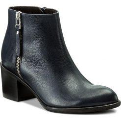 Botki GINO ROSSI - Yoko DBH594-T08-0221-5700-F 59. Szare buty zimowe damskie marki Gino Rossi, w paski, z materiału, małe. W wyprzedaży za 299,00 zł.