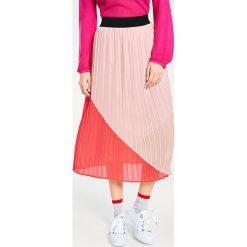Odzież damska: Spódnica w kolorze jasnoróżowo-czerwonym