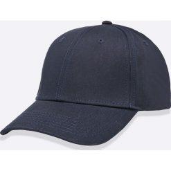 Jack & Jones - Czapka Basic. Czarne czapki z daszkiem męskie marki Jack & Jones, l, z bawełny, z klasycznym kołnierzykiem, z długim rękawem. W wyprzedaży za 49,90 zł.