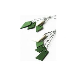 Geometryczne porcelanowe kolczyki Geometrika zielono-białe. Zielone kolczyki damskie Projekt mosko. Za 129,00 zł.