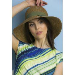Kapelusze damskie: Słomkowy kapelusz z tasiemką