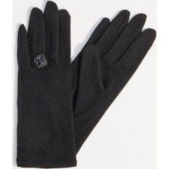 Wełniane rękawiczki z biżuteryjnym detalem - Czarny. Brązowe rękawiczki damskie marki Roeckl. Za 49,99 zł.