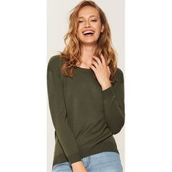Sweter z asymetrycznym dołem - Zielony. Szare swetry klasyczne damskie marki Mohito, l, z asymetrycznym kołnierzem. Za 59,99 zł.