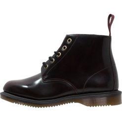 Dr. Martens EMMELINE Ankle boot cherry red. Czerwone botki damskie skórzane Dr. Martens. Za 589,00 zł.