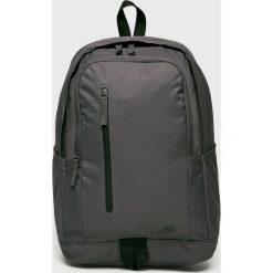 Nike Sportswear - Plecak. Czarne plecaki męskie Nike Sportswear, w paski, z poliesteru. W wyprzedaży za 99,90 zł.