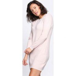 Jasnoróżowa Sukienka El Canto. Szare sukienki dzianinowe marki Born2be, l, z okrągłym kołnierzem, z długim rękawem, mini, dopasowane. Za 69,99 zł.