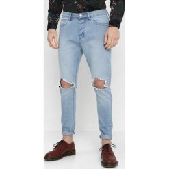 Cayler & Sons UNCHAINED TIM Jeansy Slim Fit light blue. Niebieskie jeansy męskie relaxed fit Cayler & Sons, z bawełny. Za 379,00 zł.