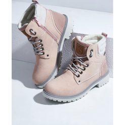 Różowe Traperki Omnitool. Czerwone buty zimowe damskie Born2be, z okrągłym noskiem, na płaskiej podeszwie. Za 99,99 zł.
