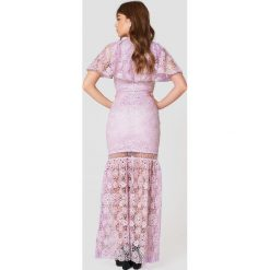 Sukienki hiszpanki: True Decadence Koronkowa sukienka z dekoltem V – Purple