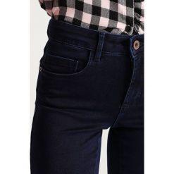 Only Petite ONLROYAL Jeans Skinny Fit dark blue denim. Niebieskie rurki damskie Only Petite, petite. Za 129,00 zł.